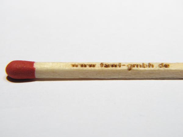 Lasergravur eines Streichholzes