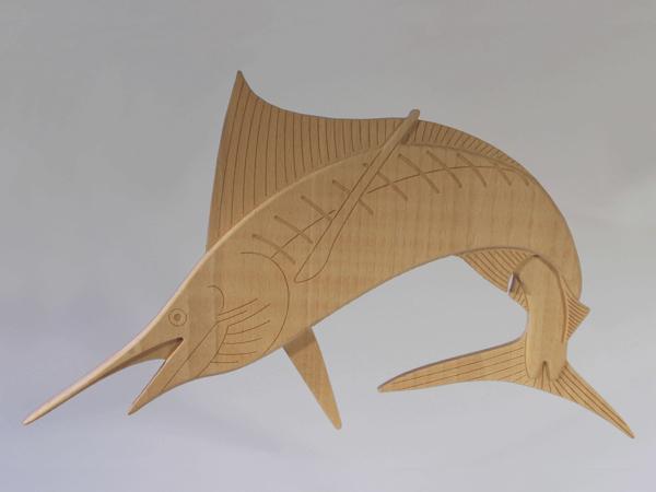 Blauer Marlin aus Buchenholz